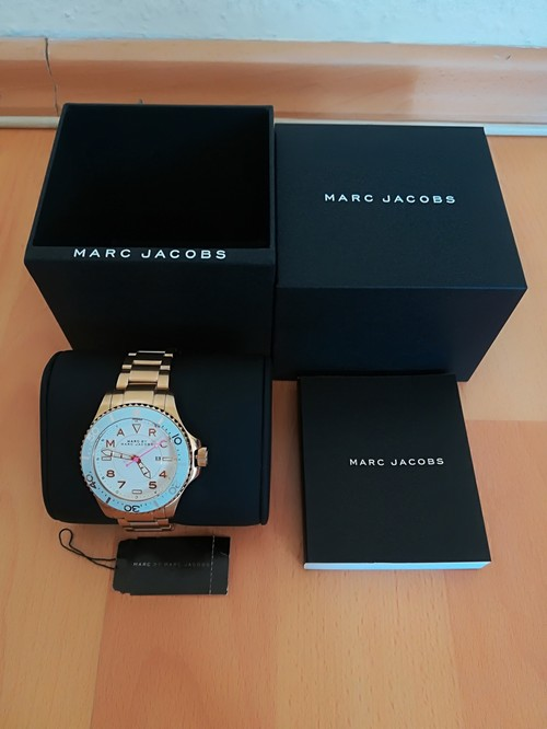 4052cfacae Új Marc Jacobs Női Karóra 2 Év Garancia Harmadáron - HardverApró