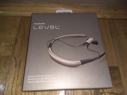Eladó bontatlan SAMSUNG Level U headset - HardverApró a4942e90c4