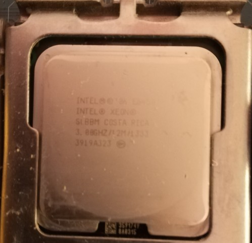 Előkarácsonyi budget játékos/irodai félkonfig -- Intel Xeon