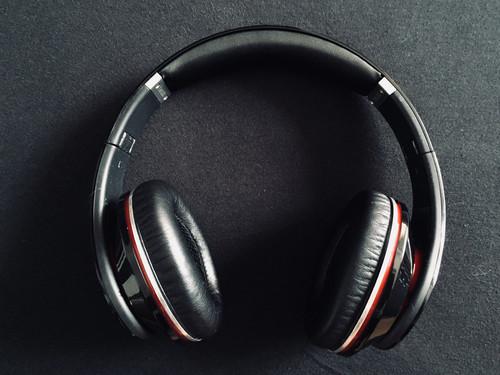 Beats BY DRE Studio 1.0 Fekete MH6G2ZM A - HardverApró 6afd73f62b