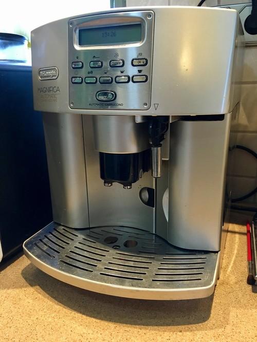 DeLonghi Magnifica Automatic Cappuccino ESAM 3500 Kávéfőző