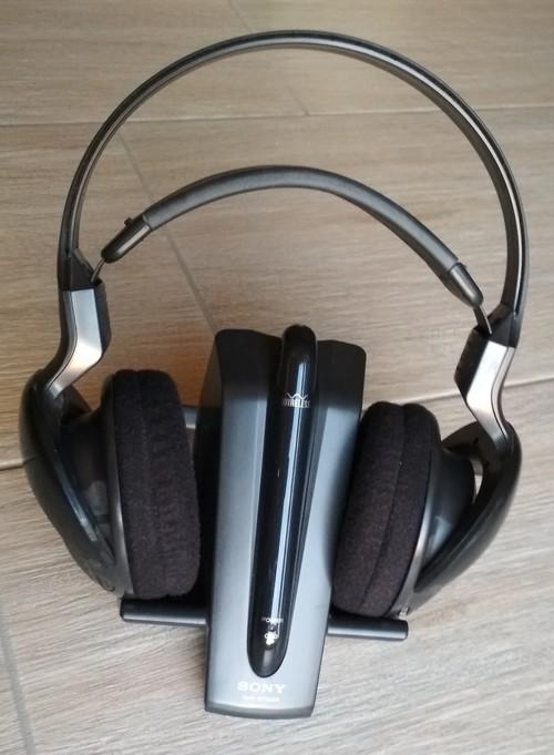 SONY vezeték nélküli rádiós fejhallgató - HardverApró 64a05e2de1