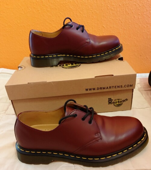 fc3bb516a9b4 Vadonat új Budapesten vásárolt Dr Martens cipő eladó - HardverApró